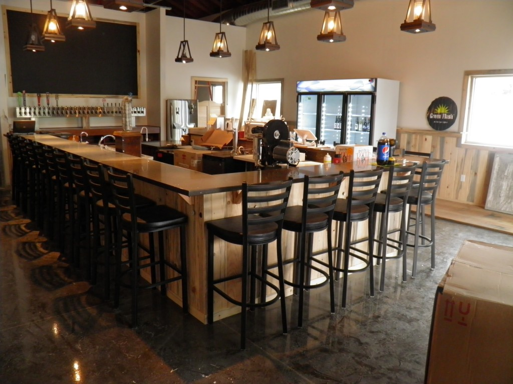 Newberg Growler House now open